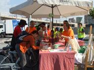 El BACC reparteix 2.000 esmorzars ciclistes i s'adhereix a la manifestaci