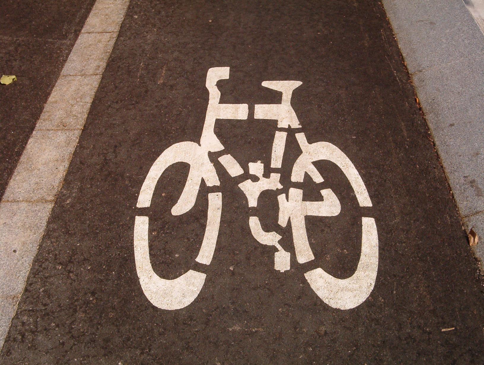 La nova pista poliesportiva i el carril bici, inversions destacades a Sant Carles de la R