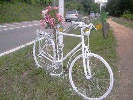 Bicicletas fantasma por los ciclistas atropellados