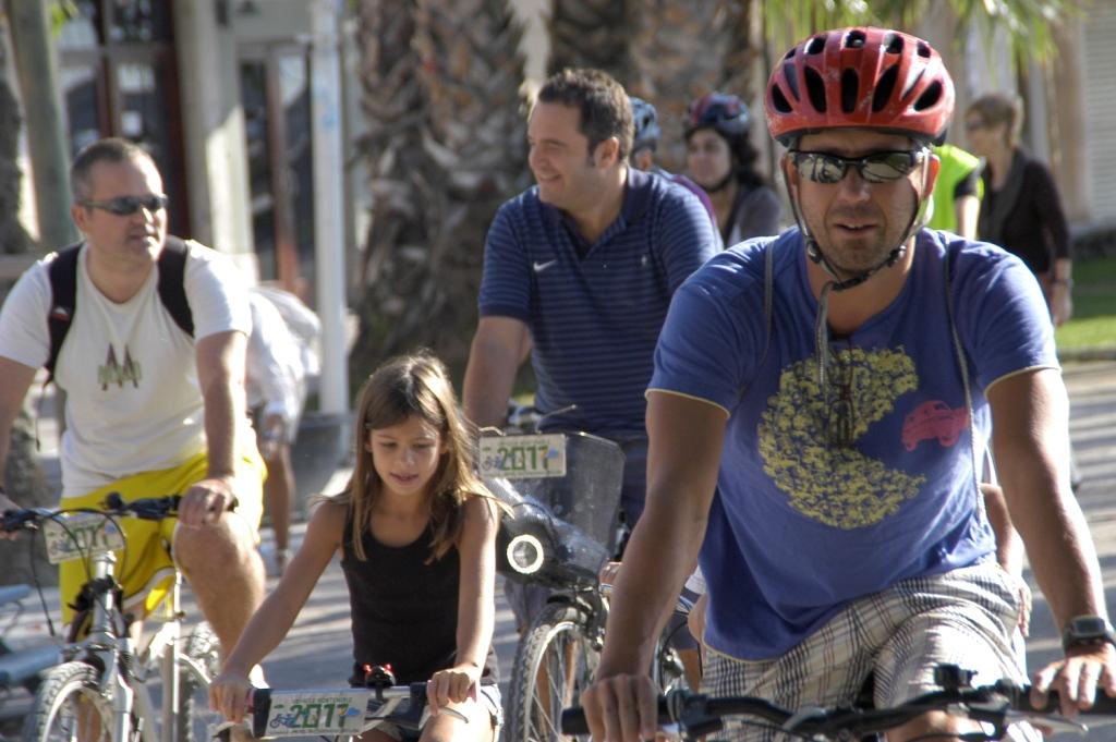 La DGT, perduda amb els ciclistes