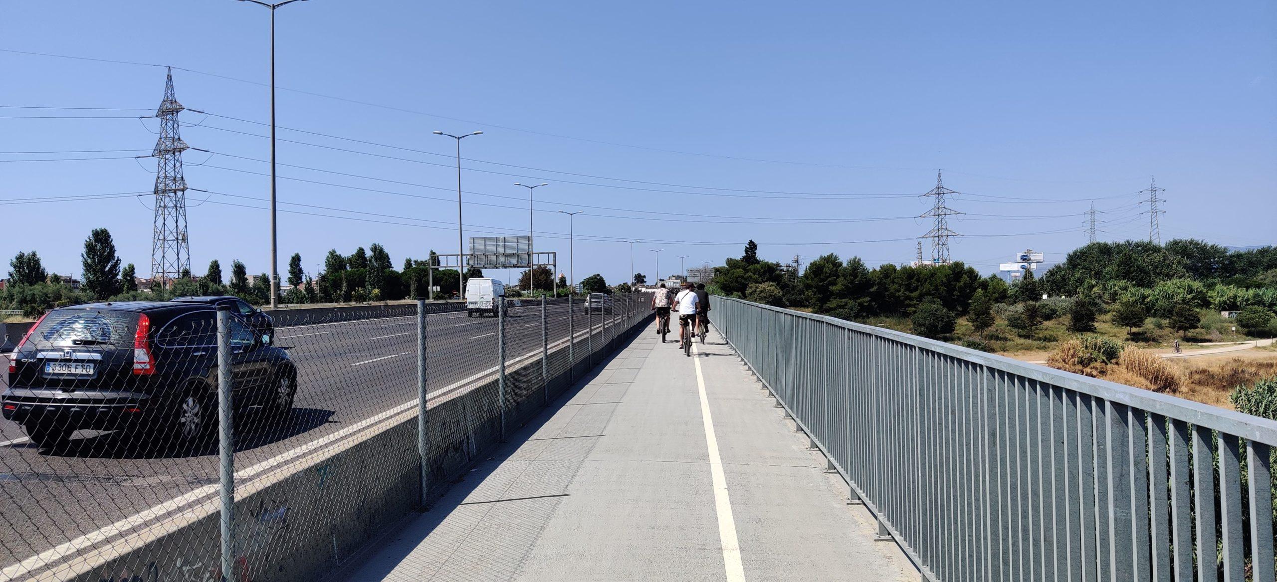 Pont del riu Llobregat, també a compartir amb vianants.