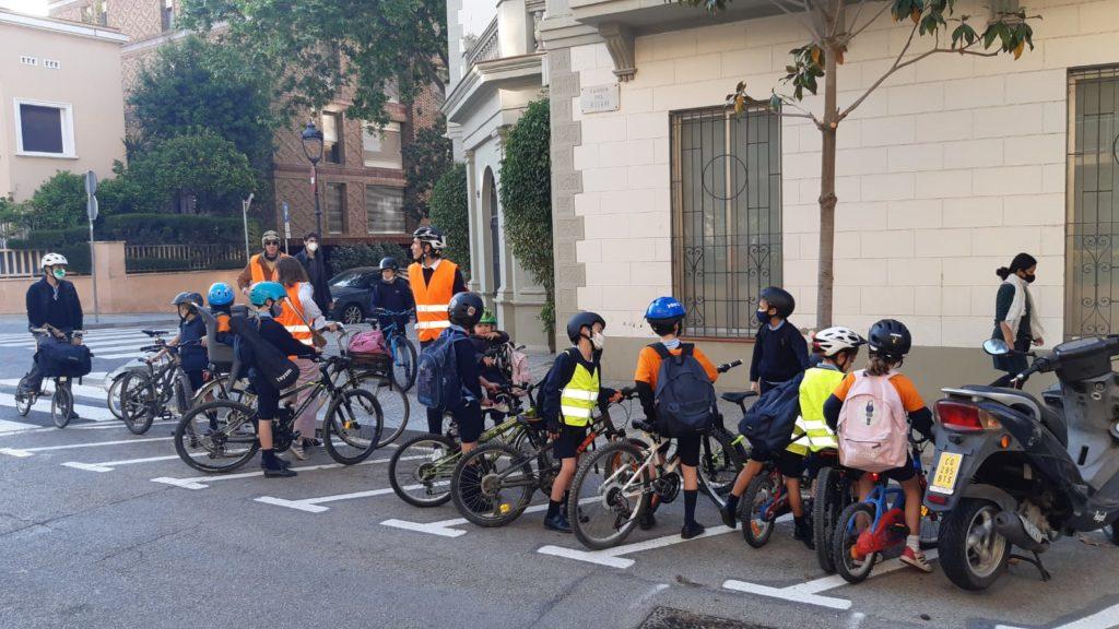 Una parada de un bicibus de Barcelona (cortesia Yago Raventos)